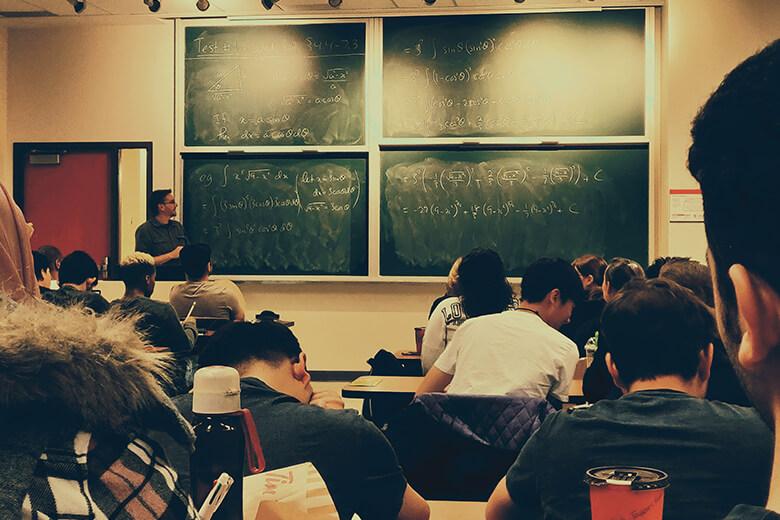 京都府で大人が学べるプログラミングスクール